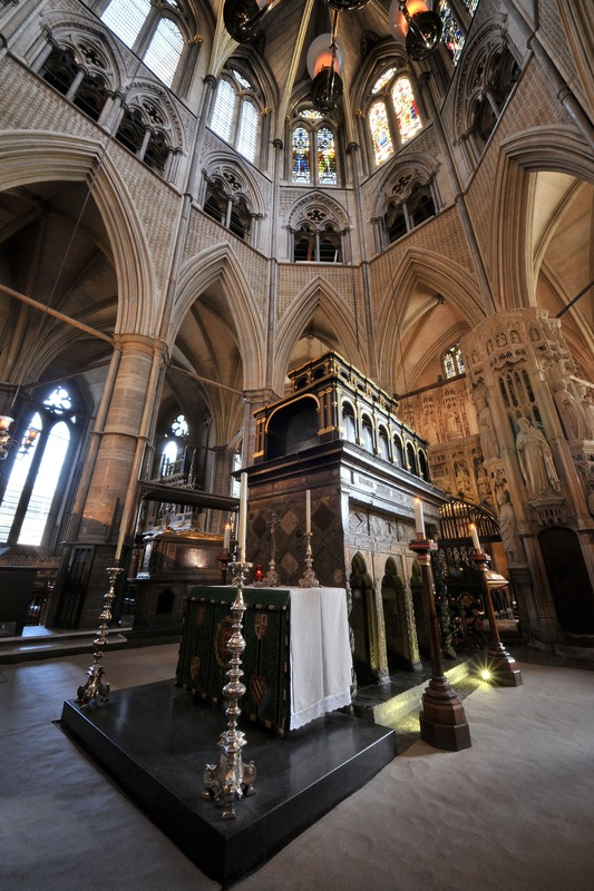 photo 20.The-Shrine-of-St-Edward-the-Confessor_zpshxur0mtt.jpg